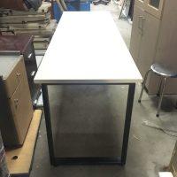 bàn làm việc ngồi 2