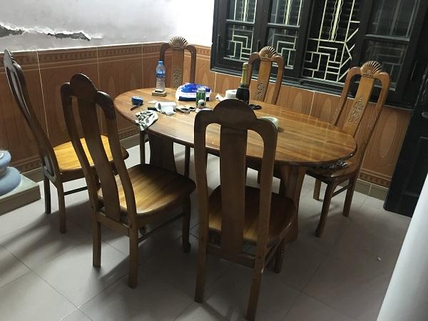 Bộ bàn ghế gỗ xoan đào Hoàng Anh Gia Lai_1