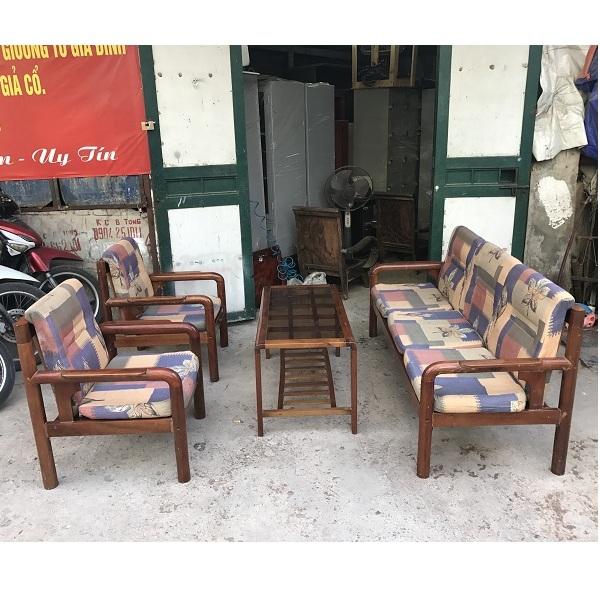 thanh lý bộ bàn ghế gỗ xoan đào kèm đệm