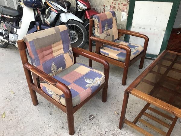thanh lý bộ bàn ghế gỗ xoan đào kèm đệm 2
