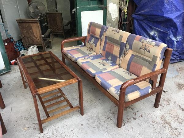 thanh lý bộ bàn ghế gỗ xoan đào kèm đệm 4