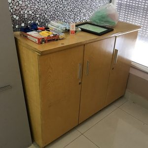 Thanh lý tủ kệ gỗ veneer kích thước 120x91x42cm